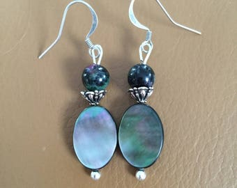 Earrings in silver, mother of Pearl and Ruby in zoisite