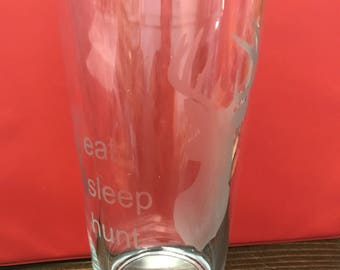 Etched Hunting Pilsner glass