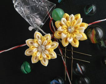 Yellow and White Water Lily Hairpin (2 Variations) / Tsumami Kanzashi Hairpin / Yellow Water Lily / Geisha inspired Wedding hairpin