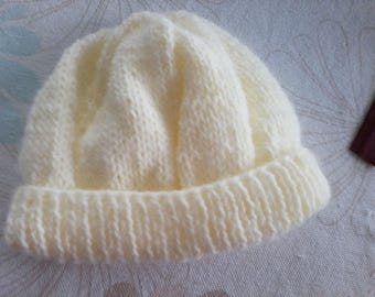 Yellow baby hat size 3 months