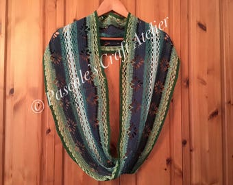 Beautiful handcrochet Möbius cowl loop scarf shawl