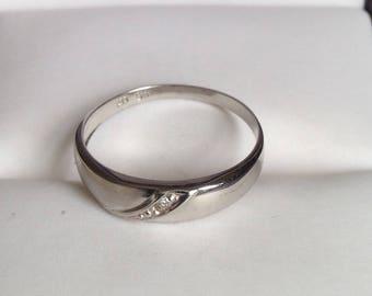 9ct White Gold Diamond Ring, Size 5 3/4, L 1/4