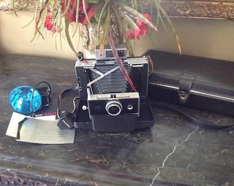Polaroid 250 Land Camera with Case