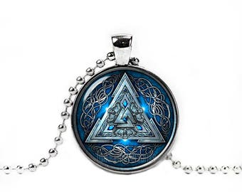 Valknut Necklace Odins Knot Necklace Three Triangles Pendant Vikings Necklace