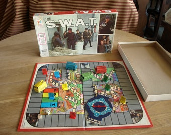 Vintage 1976 The S.W.A.T. Game Milton Bradley 4613 complete