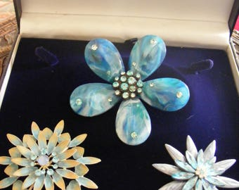 STUNNING VINTAGES BROOCHES X 3