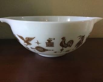Vintage Pyrex American Cinderalla Style 2.5 quart Nesting Bowl