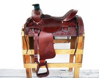 Handmade Classic Western Wade Horse Trail Floral Tooled leather Made To Order Saddle