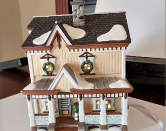 Department 56 Lakeshore Holiday House