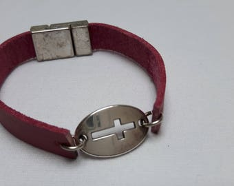Leather Bracelet with cross pink