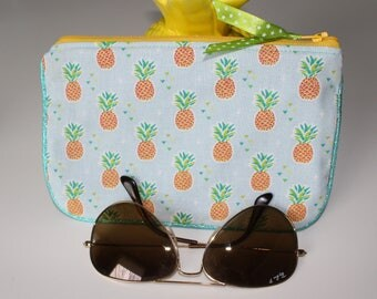Blue pineapple pouch