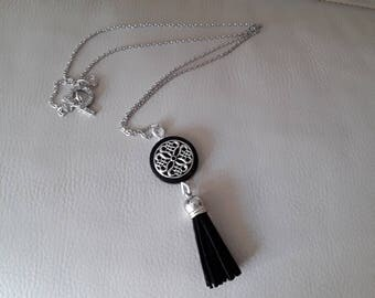 Long connector and suede tassel necklace