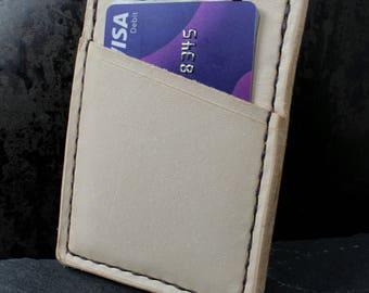The Minimalist Wallet (Vertical)