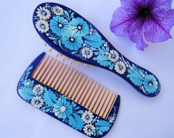 Wooden hair brush and comb set - Hand-carved hand-painted wooden brush set - Gift for her - Blue boho hair brush and combFlowers, berries