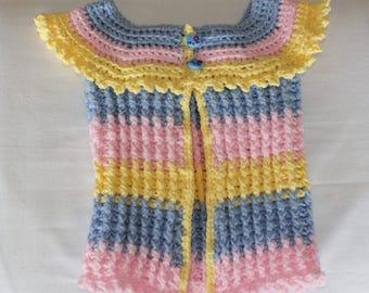 Gilet bébé sans manches multicolore au crochet