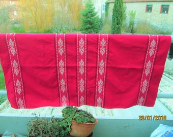 Vintage French Tablecloth, cloth napkins, cotton tablecloths, red table linens