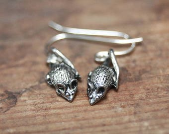 Mouse earrings, cute animal jewelry, rats earrings, witchy jewelry, halloween jewelry, strega fashion, creepy cute, gothic earrings, wicca