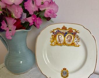 Commemorative coronation of George VI and Queen Elizabeth. 1937 plate.