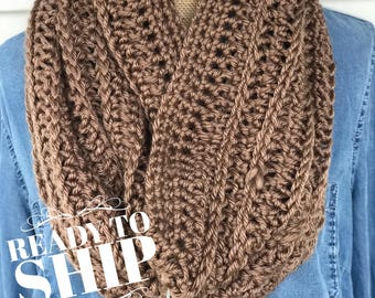 Ready to Ship//Infinity Scarf//Infinity Cowl//Vegan//Bulky Scarf//Caramel Scarf//Soft Scarf//Brown Scarf//Light Brown