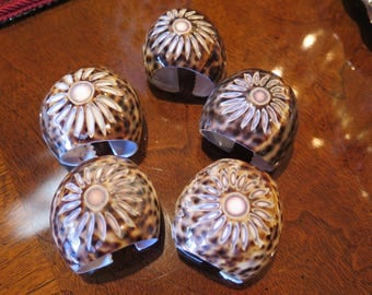 SeaShell NAPKIN RINGS Hand Carved Sea SHELL Cowrie Set Of 5 from Phillipines