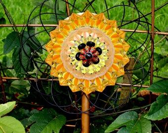 Attractive Glass Garden Flower! Glass Garden Art, Sun Catcher.