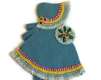 Vintage Sewing, Sewing Supplies, Vintage Needle Book, Embroidery Girl, Felt Needle Book, Antique Lace