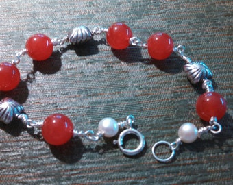 Red Jade Bracelet with Natural Pearls