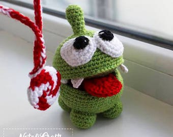 FREE SHIPPING Cut the Rope Om Nom character toy, crochet small toy with candy, gift, safe toy for baby, knitted toy