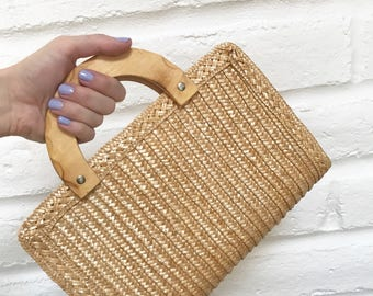 Vintage straw basket purse with wooden handles