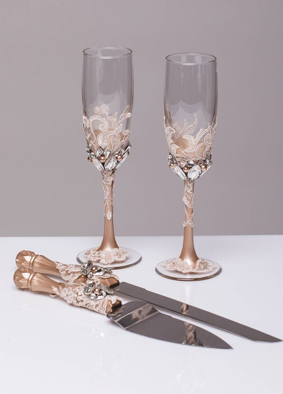wedding cake champagne glasses personalized wedding glasses and cake server set cake cutter 22179
