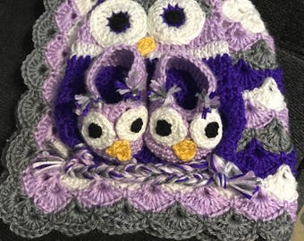 Owl baby blanket and hat set