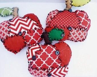 Primitive Apple Ornament Bowlfiller