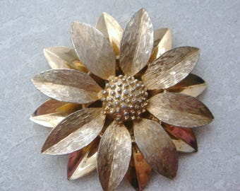 Sarah Coventry 1950's Stylised Flower Pin Brooch