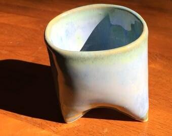 Arctic blue tripod mug