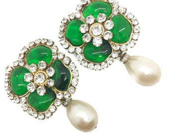 CHANEL GRIPOIX Flower 1970S VINTAGE Clip Earrings with Pearl Drop