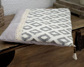 """Cover quilted laptop - """"Ethnic all in white"""""""