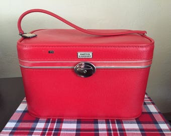 Amelia Earhart Red Train Case Luggage in Great Shape with Keys!