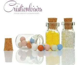5 vials in the shape of mini glass container bottle with cork bottle