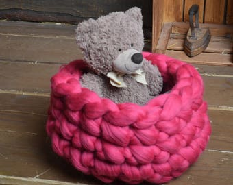 Knitted Pet bed, Cat bed, Dog bed, Knitted bed, knitted cat bed, Chunky yarn cat bed, Chunky yarn dog bed, Chunky yarn dog bed