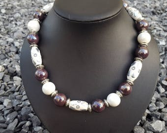 Necklace Grey White
