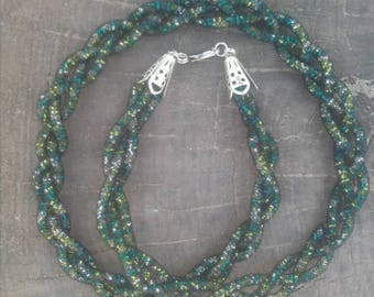 "Emerald Beaded Mesh, Beaded Necklace ""Spit"""