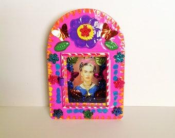 Frida Kahlo Colorful Metal Nicho Shrine Ornament Altar / Altar Frida Kahlo Nicho Handmade Day of the Dead