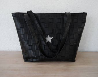 Great bag in black faux leather and suede, silver plated star