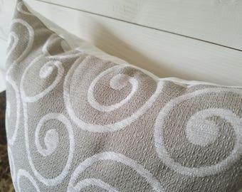 Grey and white Decorative Pillow Cover, Accent Pillow, Bedroom Decor, Sofa Pillows, Toss Pillow Sofa Cushion, Throw Pillow 16x16