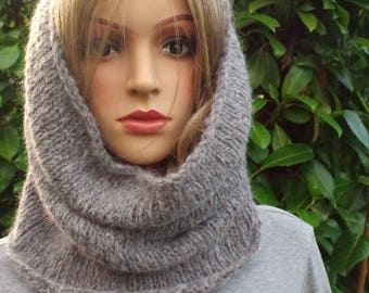 Noble Grey Loop made of soft merino wool