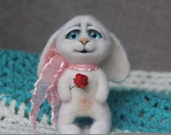 Needle felted white bunny, needle felted animal, Felted bunny, Little bunny, soft sculpture, wool figurine, felt hare, felt toy, home decore