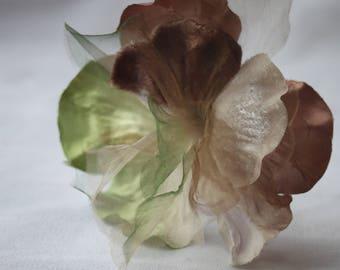 Vintage 80s-90s corsage size flower,Velvet and satin flower,Millinery flower,Vintage Floral adornment,Beige,brown and green Flower applique