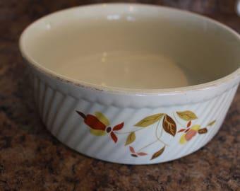 Jewel Tea Autumn Leaf 3 Pint French Baker