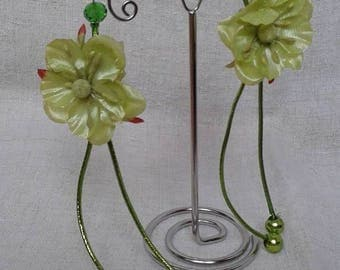 Earrings flower and green cords