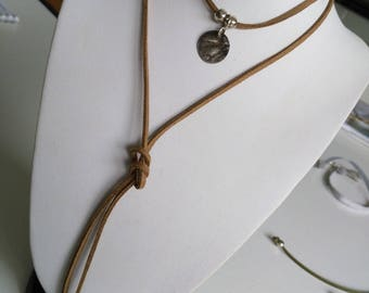 Multi beige coin link Choker necklace silver
